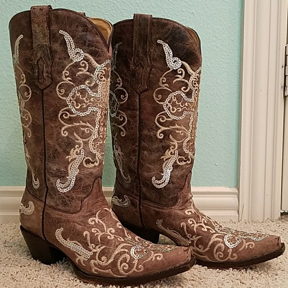 cowgirl boots with cross
